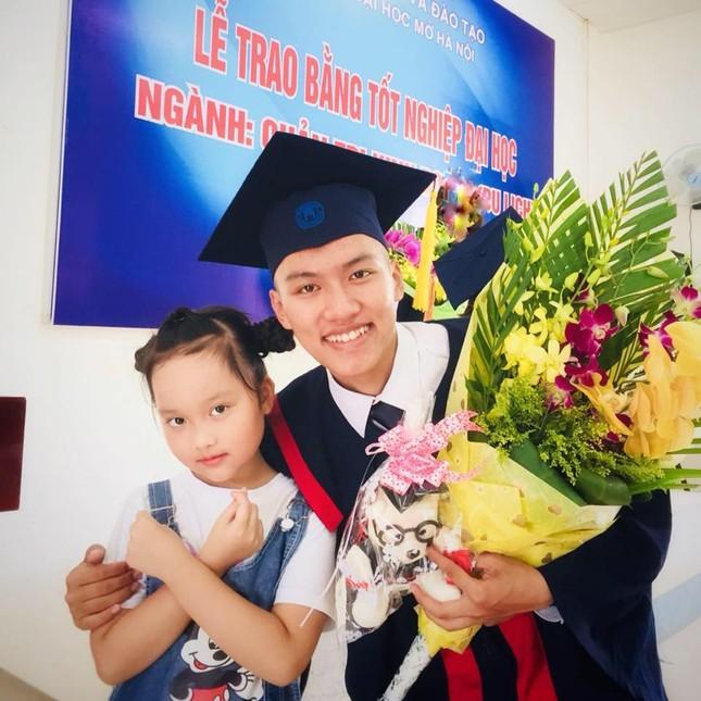 Tâm sự của một cựu Sao tháng Giêng đạp xe xuyên Việt được kết nạp Đảng tại trường đại học ảnh 10