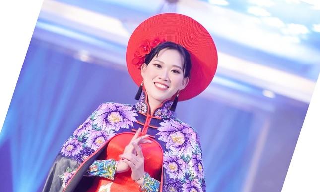 Vẻ đẹp của nữ sinh trường ĐH Nội vụ đạt giải Người đẹp trí tuệ - Miss Elegant Beauty 2020 ảnh 3