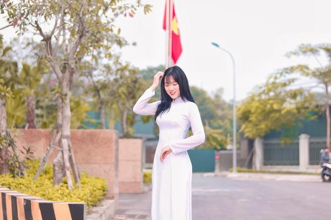 Vẻ đẹp của nữ sinh trường ĐH Nội vụ đạt giải Người đẹp trí tuệ - Miss Elegant Beauty 2020 ảnh 4