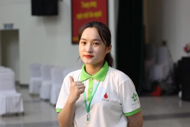 Nữ sinh Ngoại giao được kết nạp Đảng từ năm 18 tuổi  ảnh 11