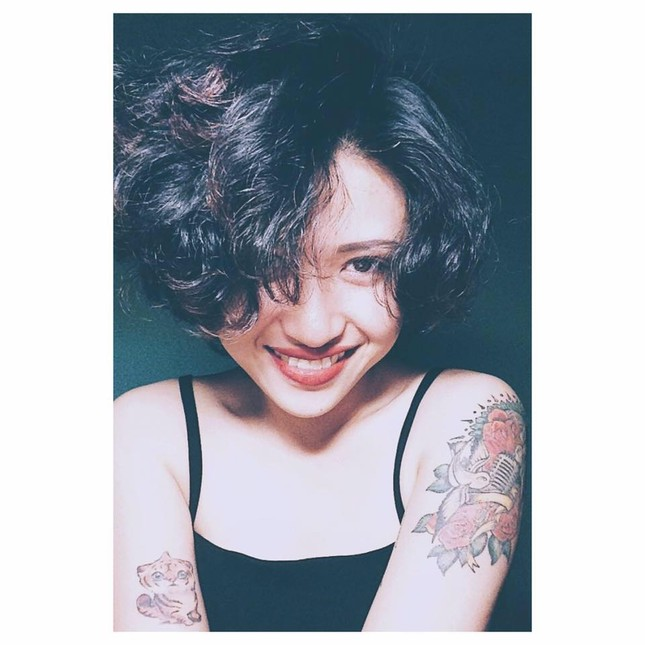 Cô ca sĩ đa tài mang dấu ấn thập niên 90 ảnh 1