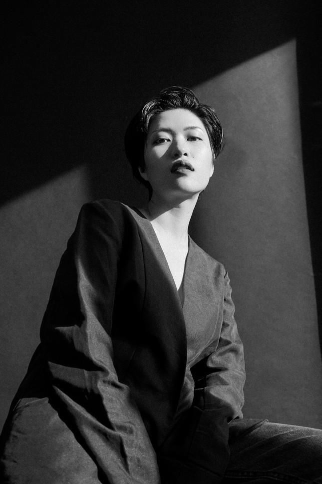 Cô ca sĩ đa tài mang dấu ấn thập niên 90 ảnh 9