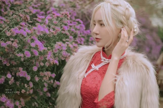 """Hot girl Nghệ An có mái tóc bạch kim được mệnh danh """"Thần tiên tỷ tỷ"""" phiên bản Việt mặc đồ gì đi chơi Tết? ảnh 4"""