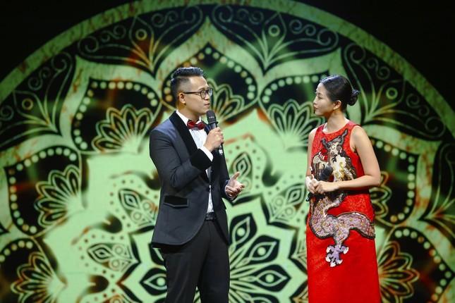 Hoa hậu H'Hen Niê và loạt nghệ sĩ nổi tiếng tham gia Đón Tết cùng VTV 2021 - Đi theo bóng Mặt trời ảnh 1