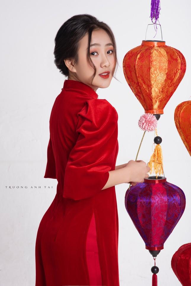 Ngắm nhìn bộ ảnh lung linh sắc đỏ của nữ sinh Đại học Thăng Long xinh như búp bê ảnh 5