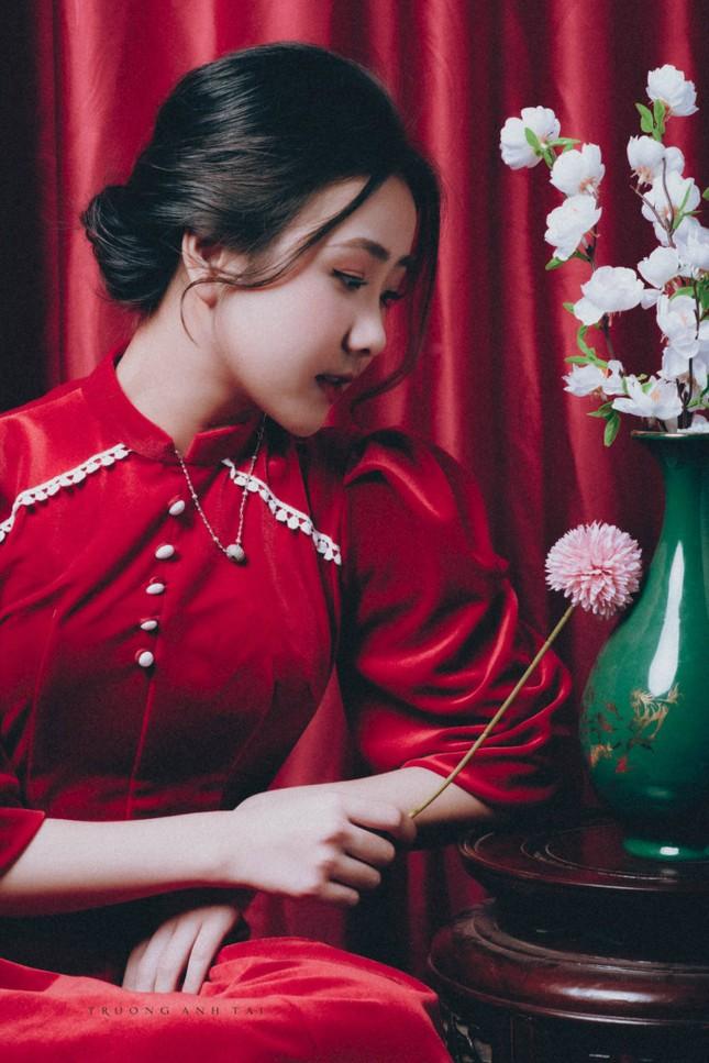 Ngắm nhìn bộ ảnh lung linh sắc đỏ của nữ sinh Đại học Thăng Long xinh như búp bê ảnh 10