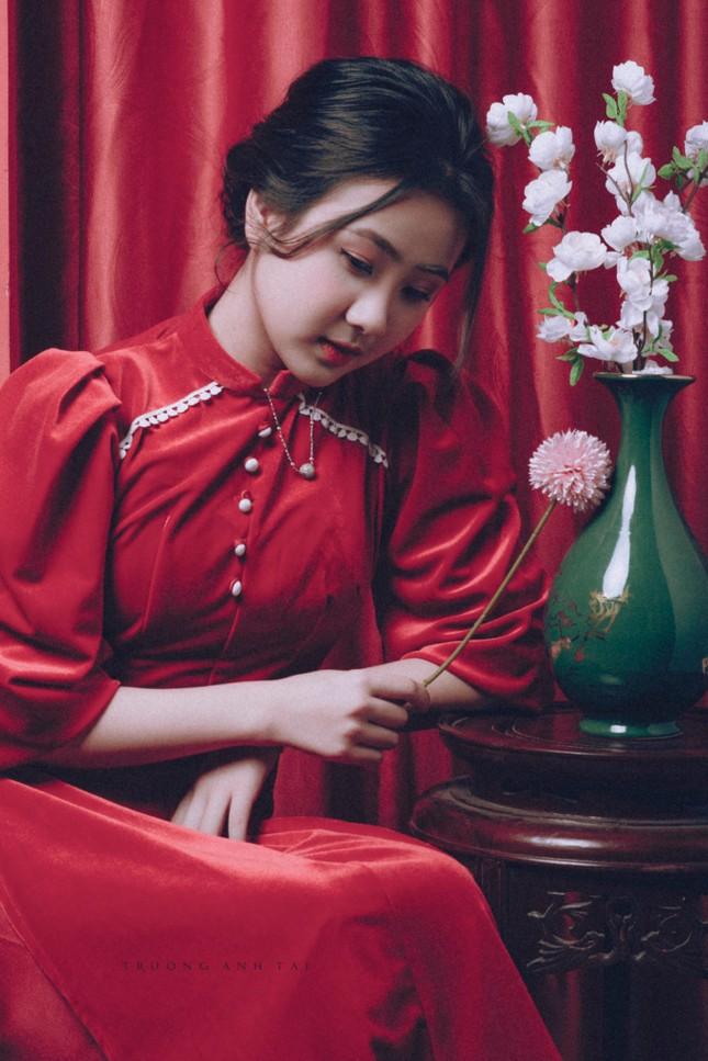 Ngắm nhìn bộ ảnh lung linh sắc đỏ của nữ sinh Đại học Thăng Long xinh như búp bê ảnh 11