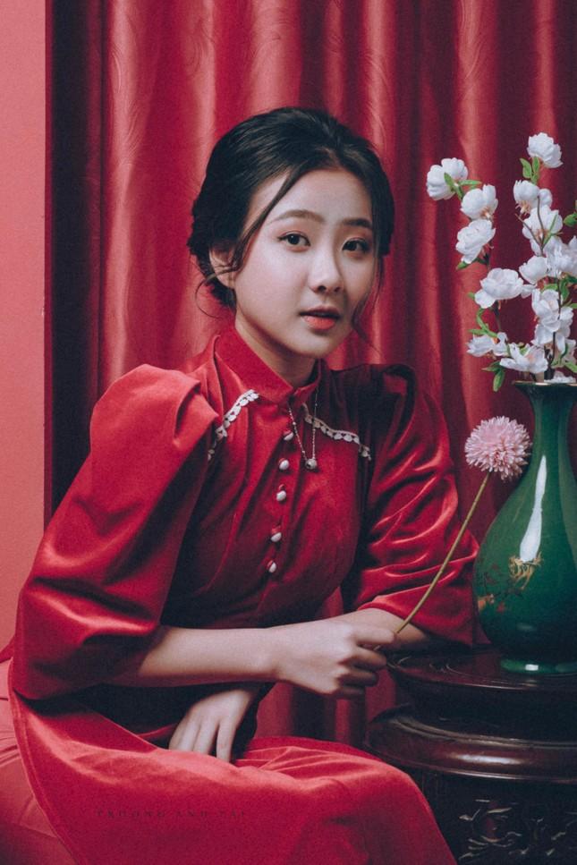 Ngắm nhìn bộ ảnh lung linh sắc đỏ của nữ sinh Đại học Thăng Long xinh như búp bê ảnh 9