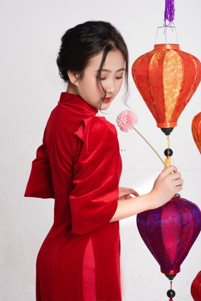 Ngắm nhìn bộ ảnh lung linh sắc đỏ của nữ sinh Đại học Thăng Long xinh như búp bê ảnh 6