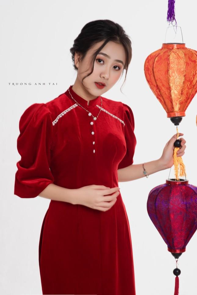 Ngắm nhìn bộ ảnh lung linh sắc đỏ của nữ sinh Đại học Thăng Long xinh như búp bê ảnh 4