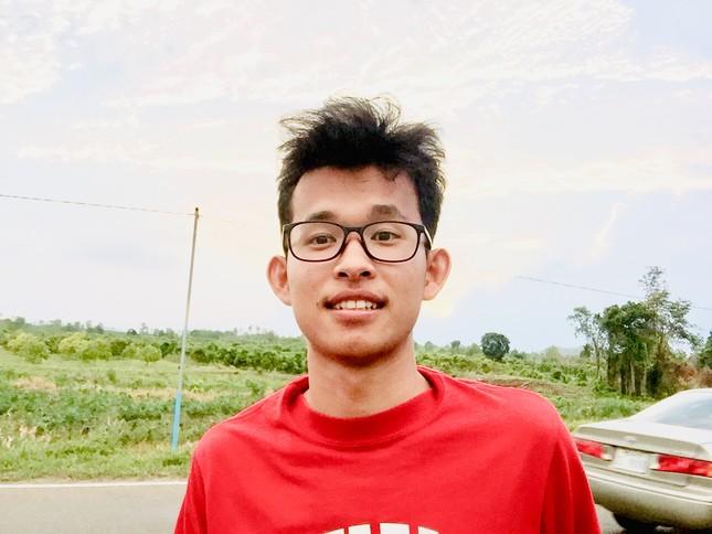 Phó Chủ tịch Hội Sinh viên Campuchia tại Việt Nam đang học tại Đại học Xây dựng ảnh 5