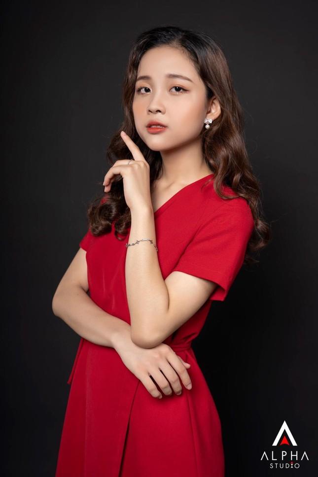 Nữ sinh Ngoại giao khát khao trở thành MC/BTV muốn sở hữu dự án kinh doanh riêng và hoàn thành ước mơ du học ảnh 14