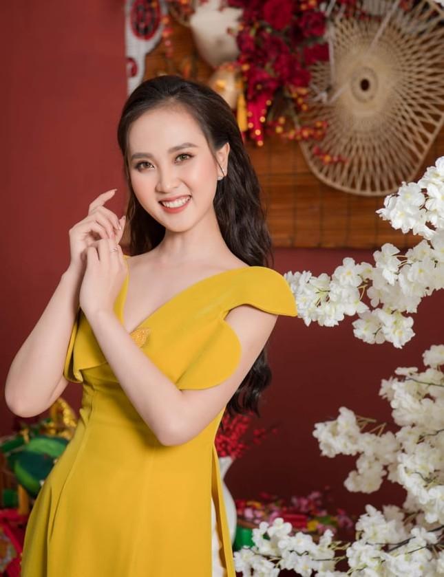 Người đẹp xứ Nghệ rạng rỡ trong bộ ảnh chào Xuân ảnh 5