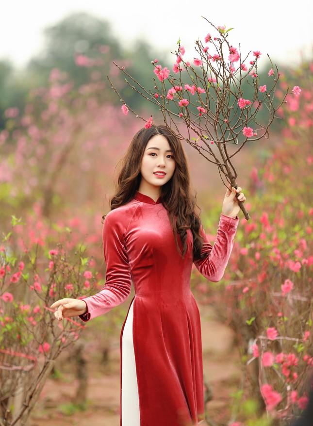 """Duyên dáng trong tà áo dài, 9X Phú Thọ """"xinh như mộng"""" trước thềm năm mới ảnh 2"""