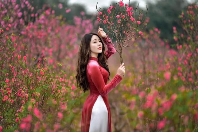 """Duyên dáng trong tà áo dài, 9X Phú Thọ """"xinh như mộng"""" trước thềm năm mới ảnh 3"""