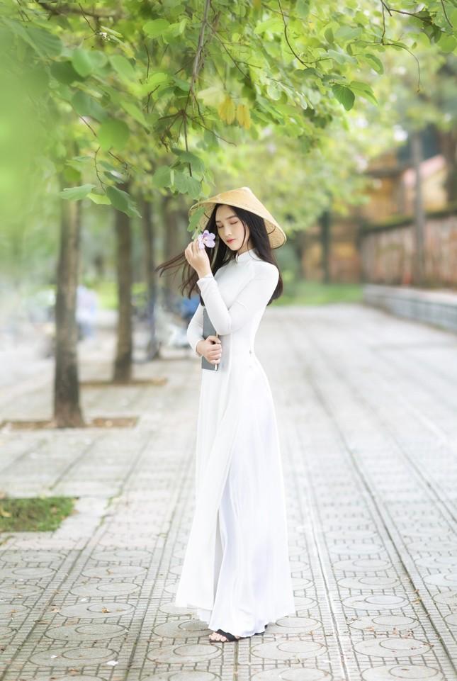 Hot girl xứ Nghệ là Hoa khôi Đại học Quốc gia khoe nhan sắc ngọt ngào trong tà áo dài truyền thống ảnh 12