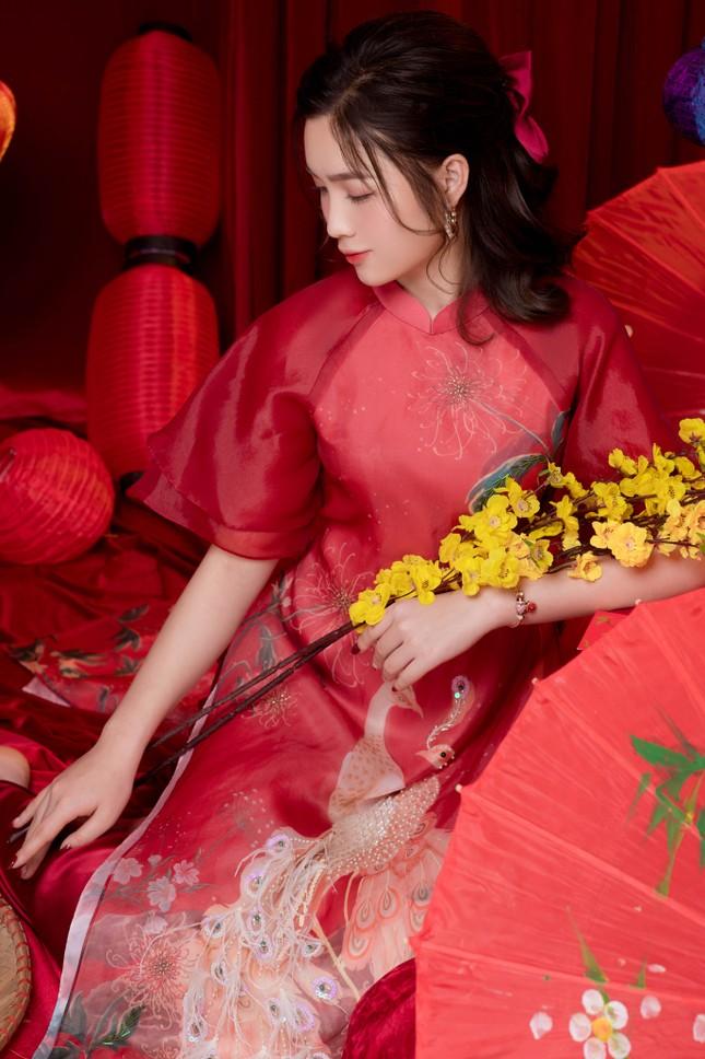 Hot girl xứ Nghệ là Hoa khôi Đại học Quốc gia khoe nhan sắc ngọt ngào trong tà áo dài truyền thống ảnh 13