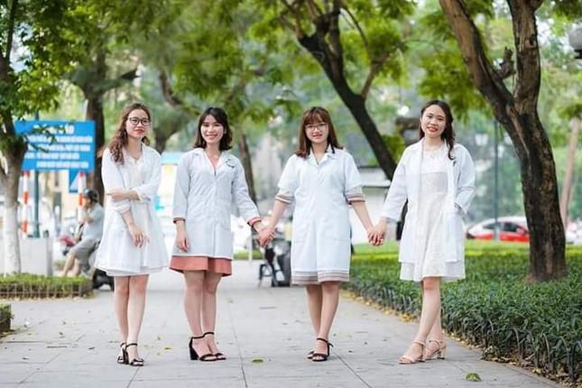 """Nữ sinh ngành Dược: """"Theo đuổi ngành Y vì muốn mẹ luôn khỏe mạnh""""  ảnh 8"""