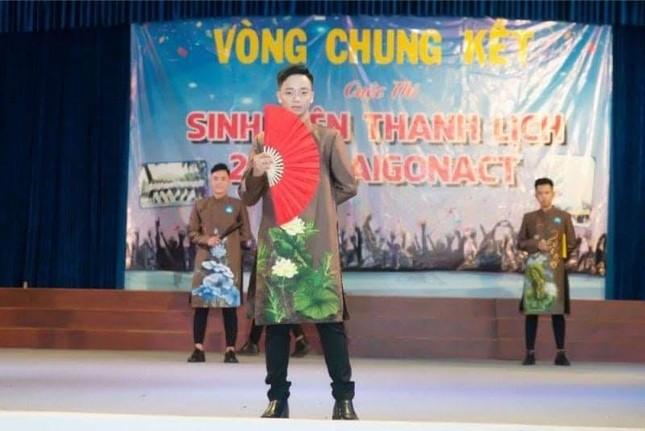 Vượt khó vươn lên - chàng trai Thanh Hóa muốn trở thành một hướng dẫn viên quốc tế giỏi ảnh 3