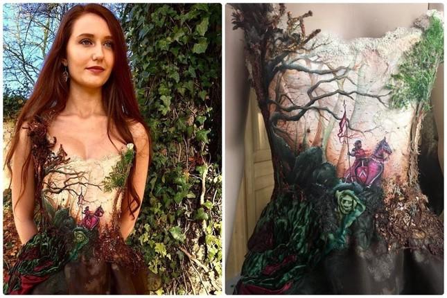 Nhà thiết kế Pháp 'biến' sách cũ thành váy dạ hội kiêu sa ảnh 9
