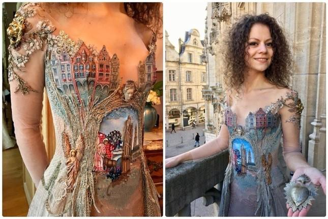 Nhà thiết kế Pháp 'biến' sách cũ thành váy dạ hội kiêu sa ảnh 5