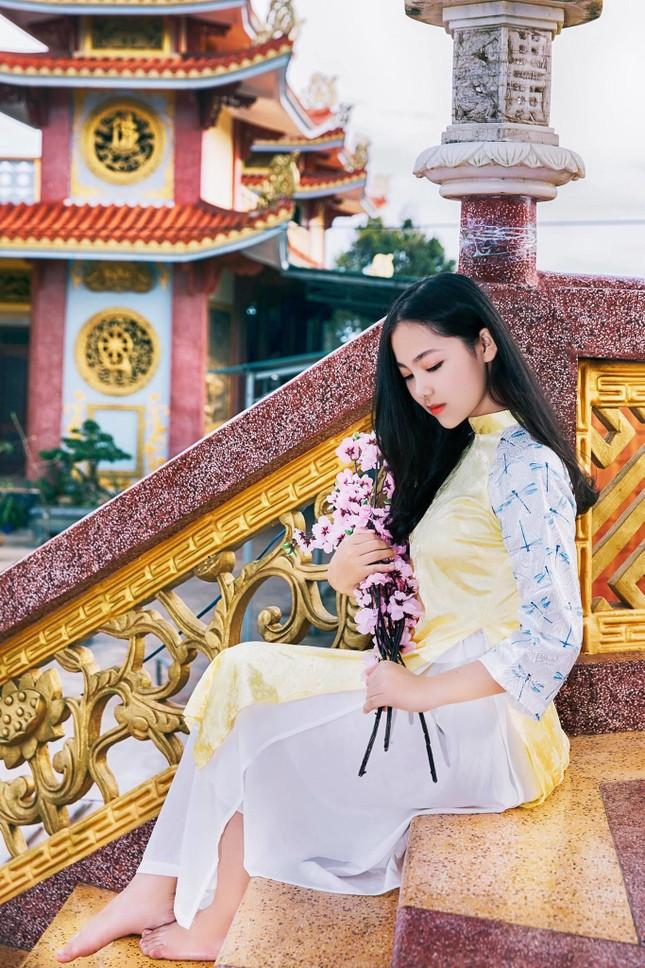 Con đường phấn đấu trở thành MC song ngữ chuyên nghiệp của nữ sinh Đắk Lắk ảnh 4
