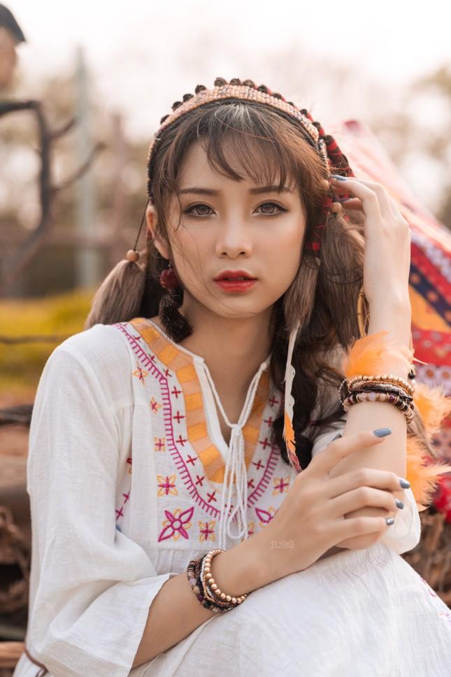 Hồn nhiên và phóng khoáng, cô gái 19 tuổi gây ấn tượng với bộ ảnh Bohemian ảnh 1