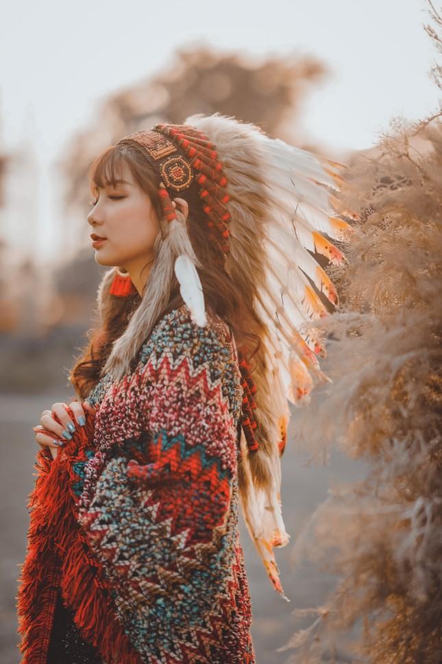 Hồn nhiên và phóng khoáng, cô gái 19 tuổi gây ấn tượng với bộ ảnh Bohemian ảnh 13