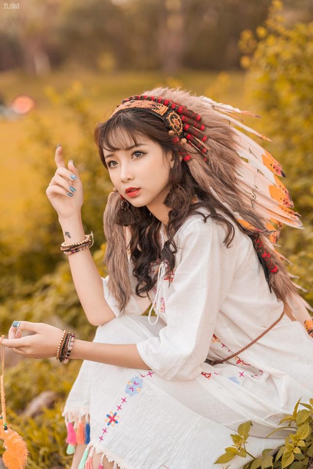 Hồn nhiên và phóng khoáng, cô gái 19 tuổi gây ấn tượng với bộ ảnh Bohemian ảnh 2