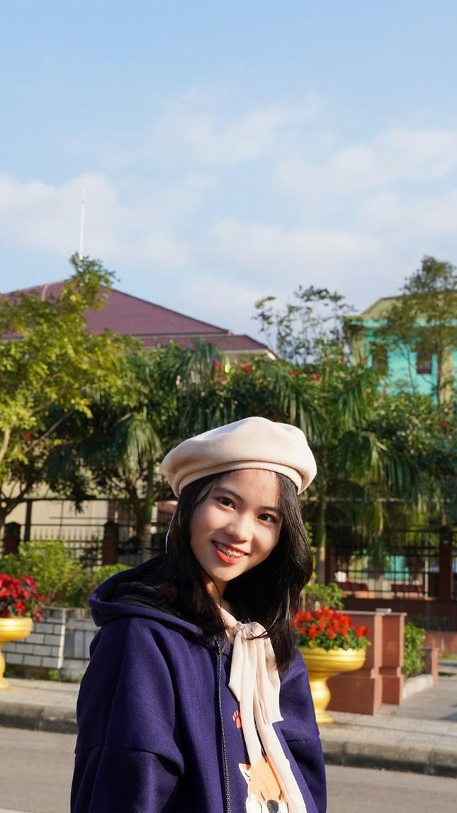 Nữ sinh Quảng Trị 15 tuổi thông thạo 7 thứ tiếng là quán quân cuộc thi lồng tiếng ảnh 11