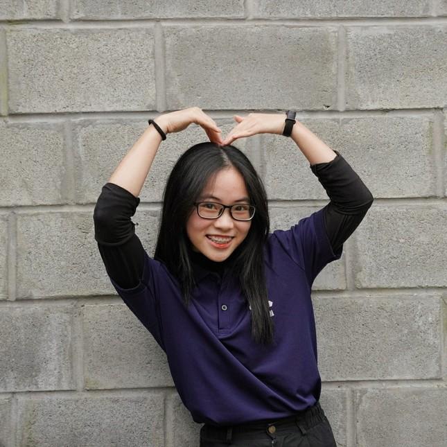 Nữ sinh Quảng Trị 15 tuổi thông thạo 7 thứ tiếng là quán quân cuộc thi lồng tiếng ảnh 3