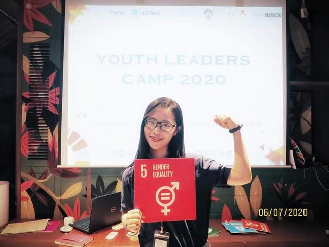 Nữ sinh Quảng Trị 15 tuổi thông thạo 7 thứ tiếng là quán quân cuộc thi lồng tiếng ảnh 9