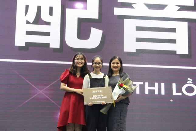 Nữ sinh Quảng Trị 15 tuổi thông thạo 7 thứ tiếng là quán quân cuộc thi lồng tiếng ảnh 4