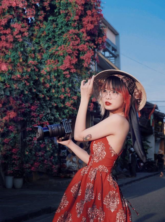 """Nữ nhiếp ảnh gia tương lai đam mê với """"Nhiếp ảnh đường phố"""" ảnh 1"""