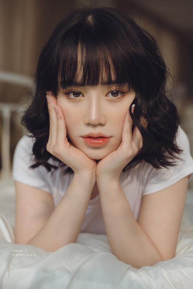 Bỏng mắt trong bộ ảnh chụp tại studio của hotgirl Hà Thành ảnh 1