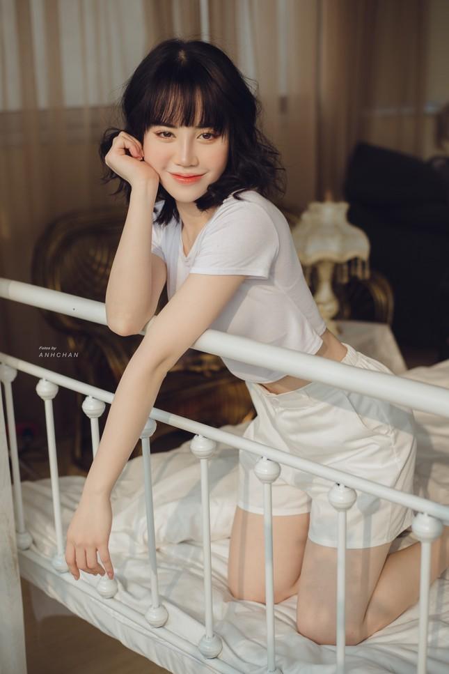 Bỏng mắt trong bộ ảnh chụp tại studio của hotgirl Hà Thành ảnh 4