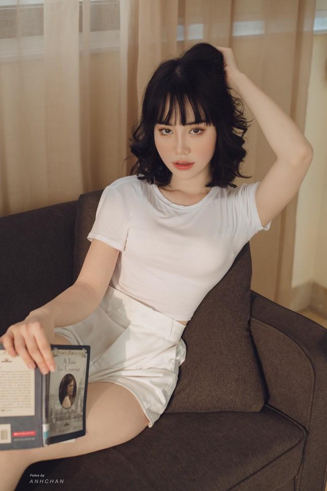 Bỏng mắt trong bộ ảnh chụp tại studio của hotgirl Hà Thành ảnh 8