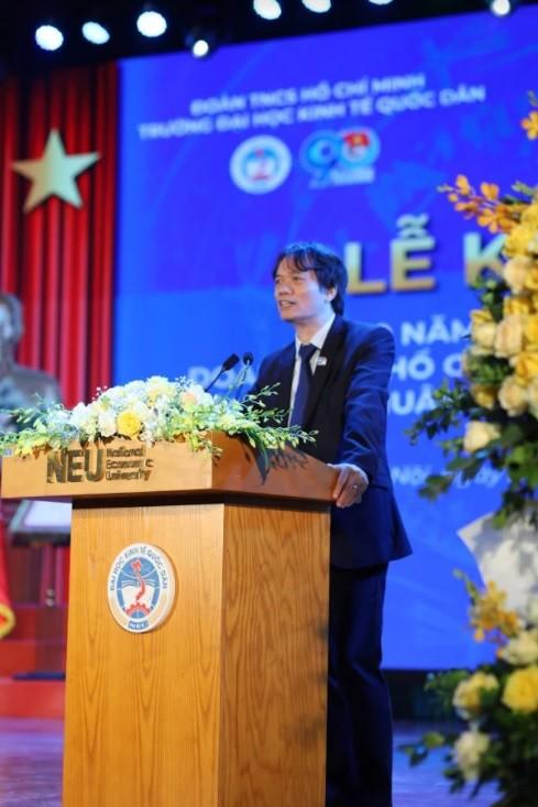 Đại học Kinh tế Quốc dân nhận Huân chương Lao động hạng Nhất ảnh 3