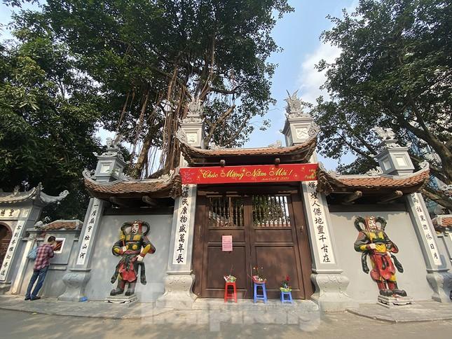 Đền, chùa Hà Nội vắng vẻ ngày đầu tháng ảnh 10