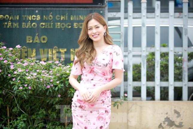 Á hậu Bùi Phương Nga rạng ngời tại buổi ra mắt chuyên trang Sinh viên Việt Nam ảnh 6