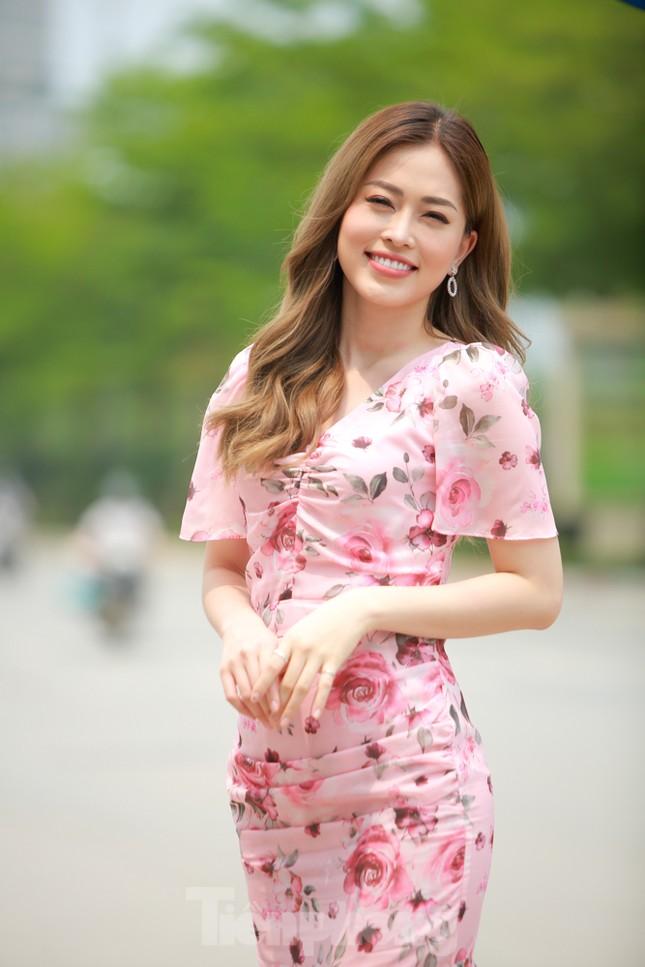 Á hậu Bùi Phương Nga rạng ngời tại buổi ra mắt chuyên trang Sinh viên Việt Nam ảnh 12