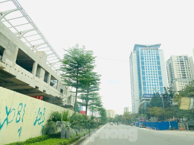 Khu đô thị mới Hà Nội vắng khác lạ trong ngày đầu tiên lệnh đóng cửa quán ảnh 3