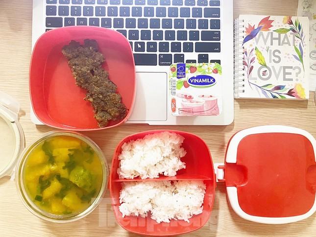 Bữa cơm trưa nơi công sở thời dịch COVID-19 ảnh 15