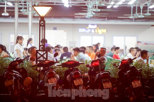 Các quán nhậu Thủ đô náo nhiệt trở lại, bất chấp Nghị định 100 ảnh 16