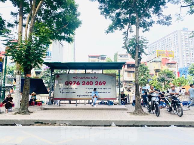 Cận cảnh trạm chờ xe buýt Thủ đô trước khi được duy tu ảnh 5