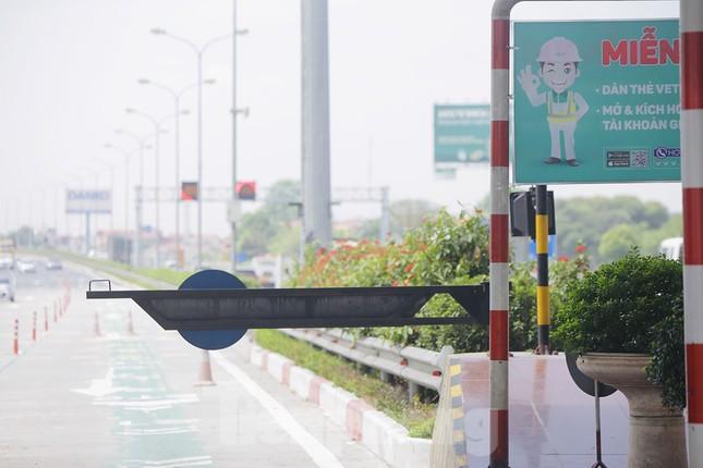 Nhìn gần cao tốc Pháp Vân - Cầu Giẽ ngày thu phí không dừng ảnh 8
