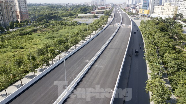 Cận cảnh đường vành đai 3 trên cao nối cầu Thăng Long - Mai Dịch sắp thông xe ảnh 3