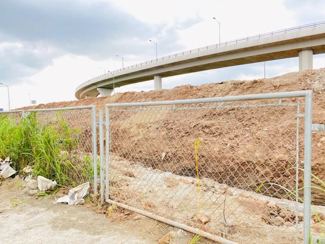 Toàn cảnh đại công trường 402 tỷ đồng nối vành đai 3 với cao tốc Hà Nội - Hải Phòng ảnh 10