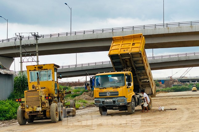 Toàn cảnh đại công trường 402 tỷ đồng nối vành đai 3 với cao tốc Hà Nội - Hải Phòng ảnh 5