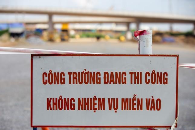 Toàn cảnh đại công trường 402 tỷ đồng nối vành đai 3 với cao tốc Hà Nội - Hải Phòng ảnh 14